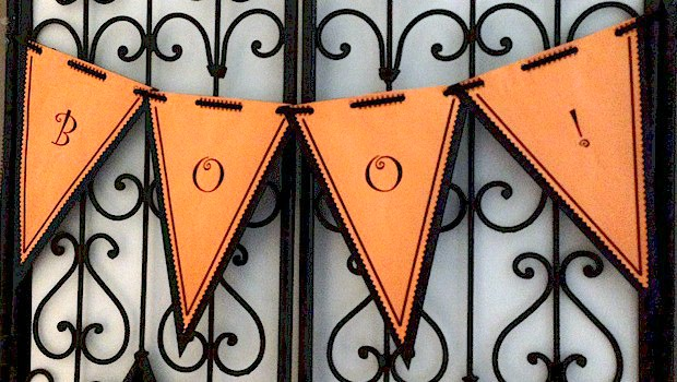 Printable Halloween Banner - Easy Halloween crafts for kids and Halloween decorations from ActivitiesForKids.com