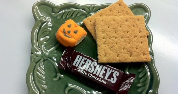 Microwave Halloween Smores  Instructions at ActivitiesForKids.com