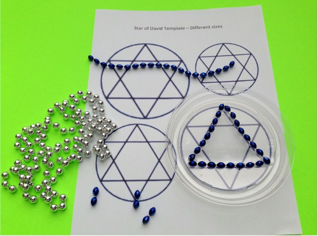 Instructions for making a Star of David Suncatcher