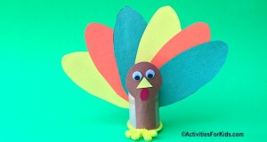 Easy holiday decoration for the Thanksgiving Table at ActivitiesForKids.com