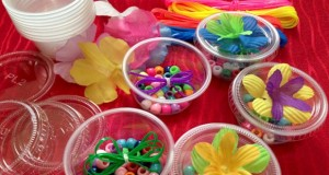 Easy to make, Friendship Bracelet Kits as party favors for birthday Parties.